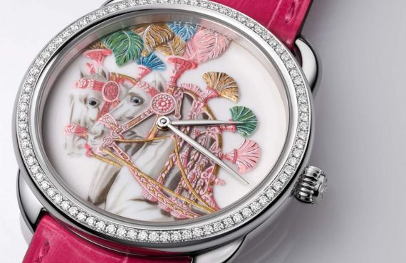 Hermés'ten 1 ay süren titiz el işçiliği ile üretilen porselen kadranlı saat